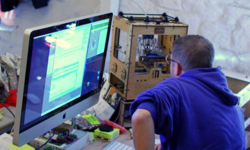 MakerBot 3D printer workstation